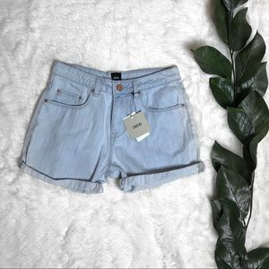 ASOS NWT High-Waisted Mom Light Wash Jean Shorts
